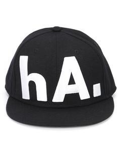 кепка с принтом 'hA.' Haculla