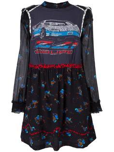 платье с принтом машин Coach