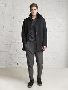 Пальто Sterling.