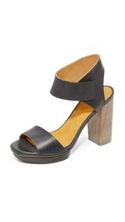 Сандалии на платформе длинноногая Coclico Shoes