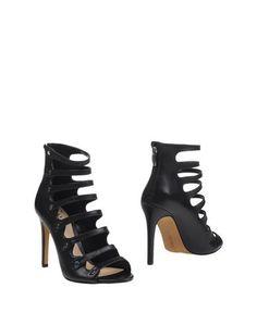 Полусапоги и высокие ботинки Vince Camuto
