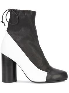 cylinder-heel boots Valas