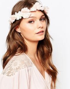 Премиум-повязка на голову с цветами и жемчугом New Look - Кремовый