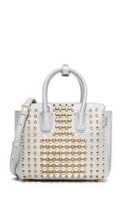 Маленькая объемная сумка с короткими ручками, украшенная жемчугом и заклепками MCM