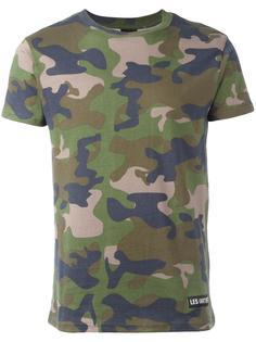 футболка с камуфляжным принтом Les (Art)Ists