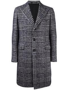 пальто в ломаную клетку Tagliatore