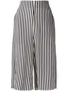 striped shorts Closed