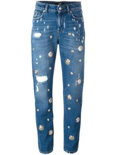 рваные джинсы с фирменной отделкой Versus