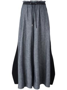 расклешенные брюки с завязками на поясе Sacai