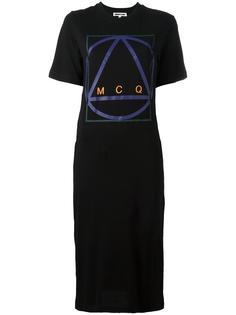 платье-футболка с принтом в виде знака McQ Alexander McQueen