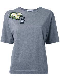 футболка с заплаткой в виде цветка и огнетушителя Muveil
