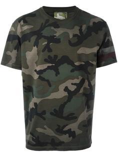 камуфляжная футболка Valentino