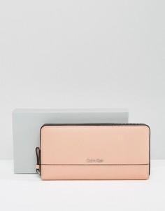 Кожаный кошелек с круговой молнией Calvin Klein - Розовый