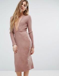 Розовое платье с декольте спереди и длинным рукавом NYTT - Розовый