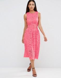 Кружевное платье миди без рукавов с вырезом на талии AX Paris - Розовый