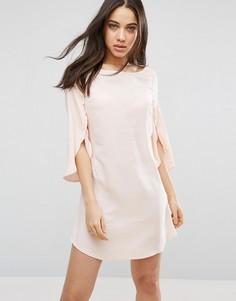 Шифоновое платье с разрезами на рукавах 3/4 AX Paris - Розовый