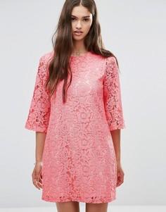 Цельнокройное кружевной платье с рукавами 3/4 Darling - Розовый