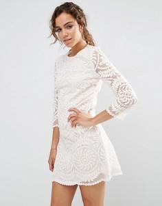 Цельнокройное кружевной платье с рукавами 3/4 Darling - Бежевый