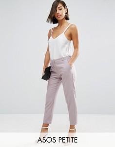 Укороченные креповые брюки-сигареты ASOS PETITE - Розовый