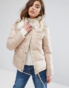Стеганая дутая куртка с искусственным меховым воротником Miss Selfridge - Бежевый