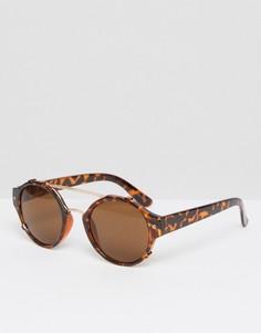 Круглые солнцезащитные очки в коричневой черепаховой оправе Quay - Коричневый