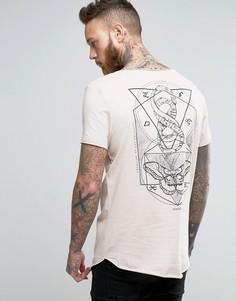 Длинная футболка с принтом на спине и необработанными краями ASOS - Розовый