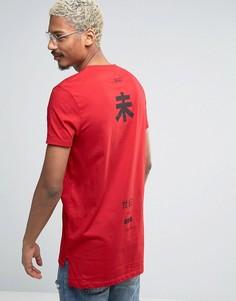 Длинная футболка с принтом на спине ASOS - Красный