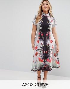 Платье миди с высоким воротом, открытой спиной и лебедями ASOS CURVE - Мульти