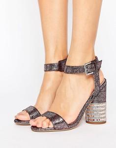 Сандалии на каблуке с парчовым верхом и камнями Miss Selfridge - Розовый