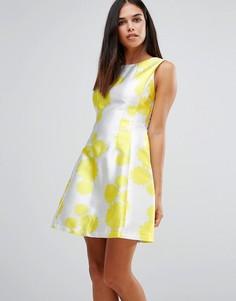 Короткое приталенное платье с цветочным принтом AX Paris - Желтый
