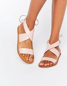 Кожаные сандалии на шнуровке ASOS FRECKLES - Розовый
