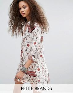 Свободное платье-рубашка с комбинированным принтом Glamorous Petite - Мульти