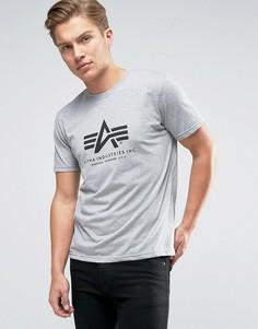 Серая футболка классического кроя с логотипом Alpha Industries - Серый