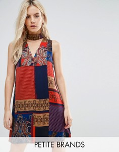 Платье в стиле борцовки с платочным принтом Parisian Petite - Красный