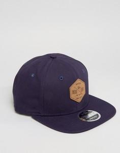 Парусиновая бейсболка с шестиугольной нашивкой New Era 9Fifty - Темно-синий