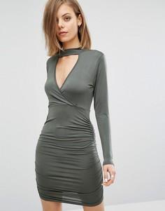 Платье с вырезом капелькой спереди и сборками Daisy Street - Зеленый