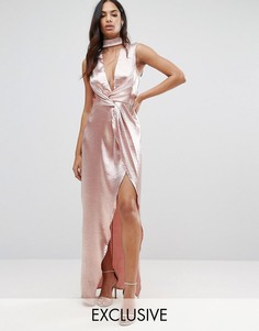 Платье макси из фактурной атласной ткани с запахом спереди NaaNaa - Розовый