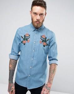 Джинсовая ковбойская рубашка классического кроя с цветочной вышивкой ASOS - Синий