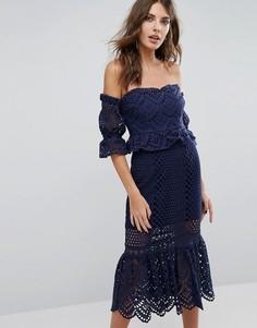 Ажурное платье с открытыми плечами Foxiedox Pure - Темно-синий