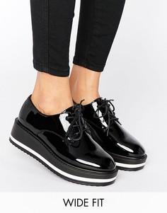 Броги для широкой стопы на плоской платформе New Look - Черный