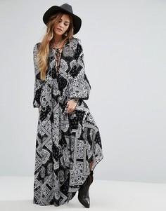 Платье макси с принтом пейсли Glamorous - Черный