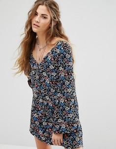 Чайное платье с длинными рукавами и цветочным принтом Glamorous - Мульти