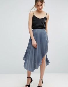 Плиссированная юбка миди с асимметричной кромкой ASOS - Синий