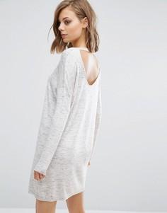 Вязаное платье с вырезом и открытой спиной ASOS - Серый
