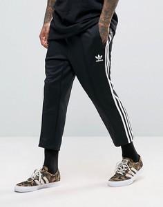 Черные укороченные джоггеры свободного кроя adidas Originals SST BK3632 - Черный