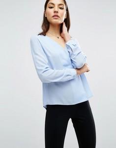 Блузка с V-образным вырезом и запахом ASOS - Синий