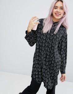 Рубашка с принтом в виде лиц Monki - Черный