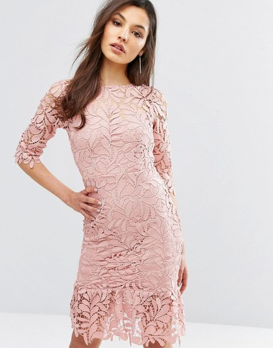 Кружевное платье миди с баской по краю и рукавом 3/4 Paper Dolls - Розовый