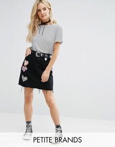 Джинсовая мини-юбка с нашивками Glamorous Petite - Черный