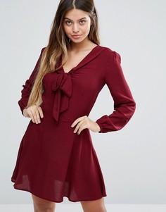 Короткое приталенное платье с длинными рукавами Unique 21 - Красный